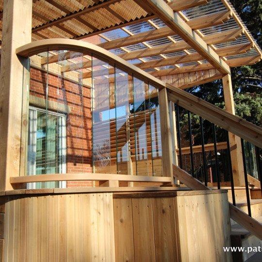 Rampe de patio courbée avec verre trempé Pinet