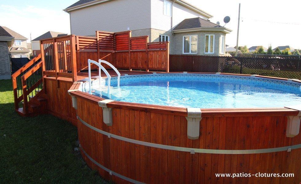 Deck de piscine hors terre en cèdre Isabelle 2