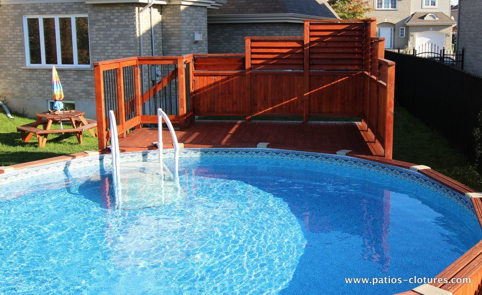 Deck de piscine hors terre en cèdre Isabelle 3