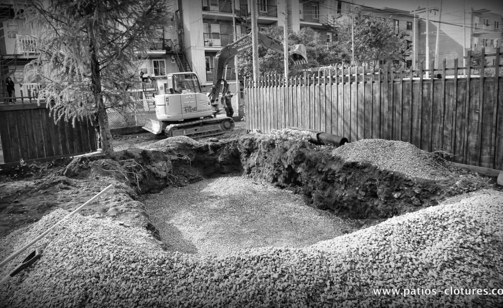 Excavation pour la piscine creusée Fibro