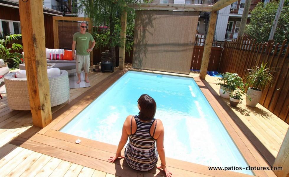 Contour de piscine creusée en bois ipé