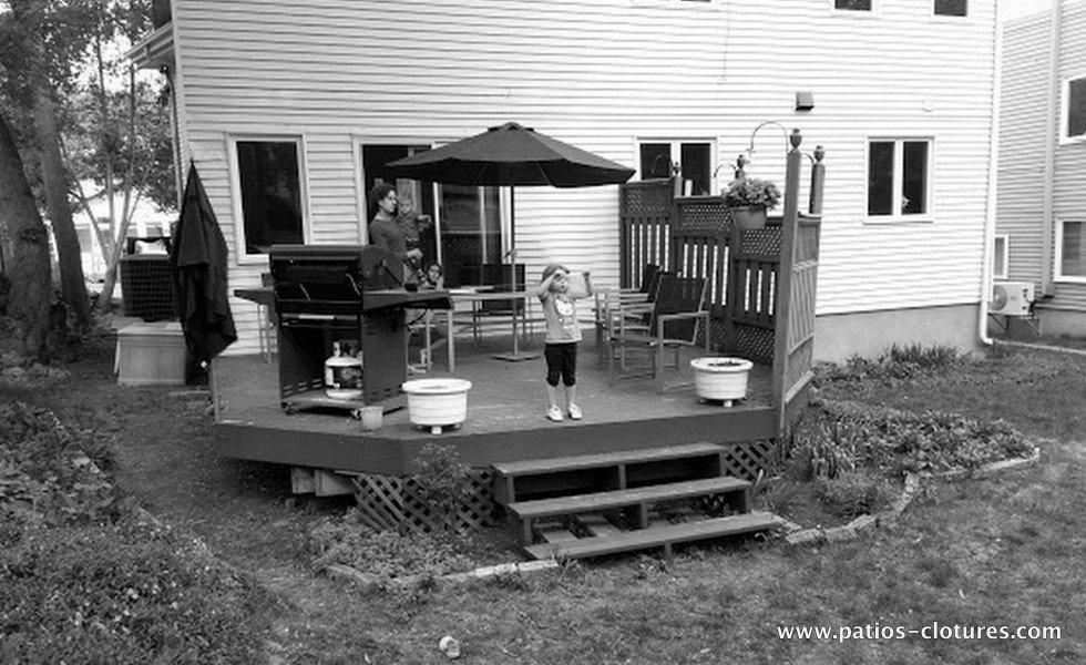 Avant la démolition du vieux patio en bois Crespy